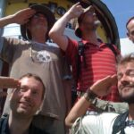 Der Rest der Truppe vor der Leipziger naTo. Links unten unser formidabler Gastgeber Mike, rechts oben unser neuer Mitwanderer Ralf.